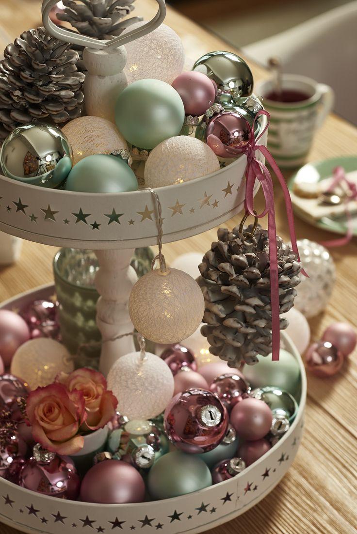 Die besten 25 weihnachtskugeln rosa ideen auf pinterest animierter weihnachtshintergrund - Weihnachtskugeln pastell ...