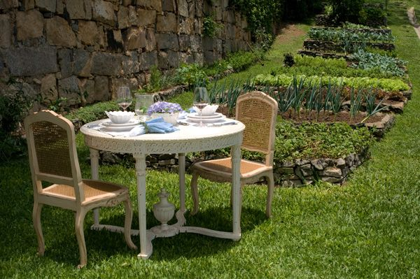 Mesa de jantar perfeita para seus momentos de prazer em suas refeições.