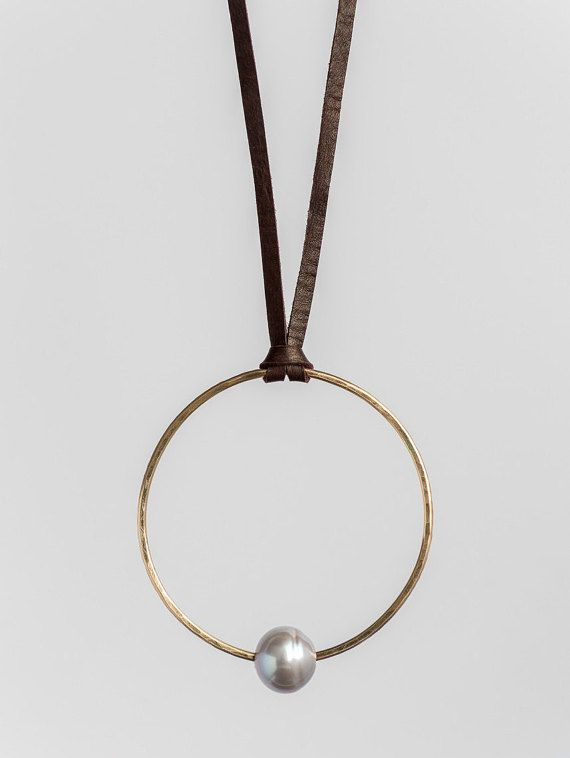 Solitary Pearl and Leather Necklace Adjustable