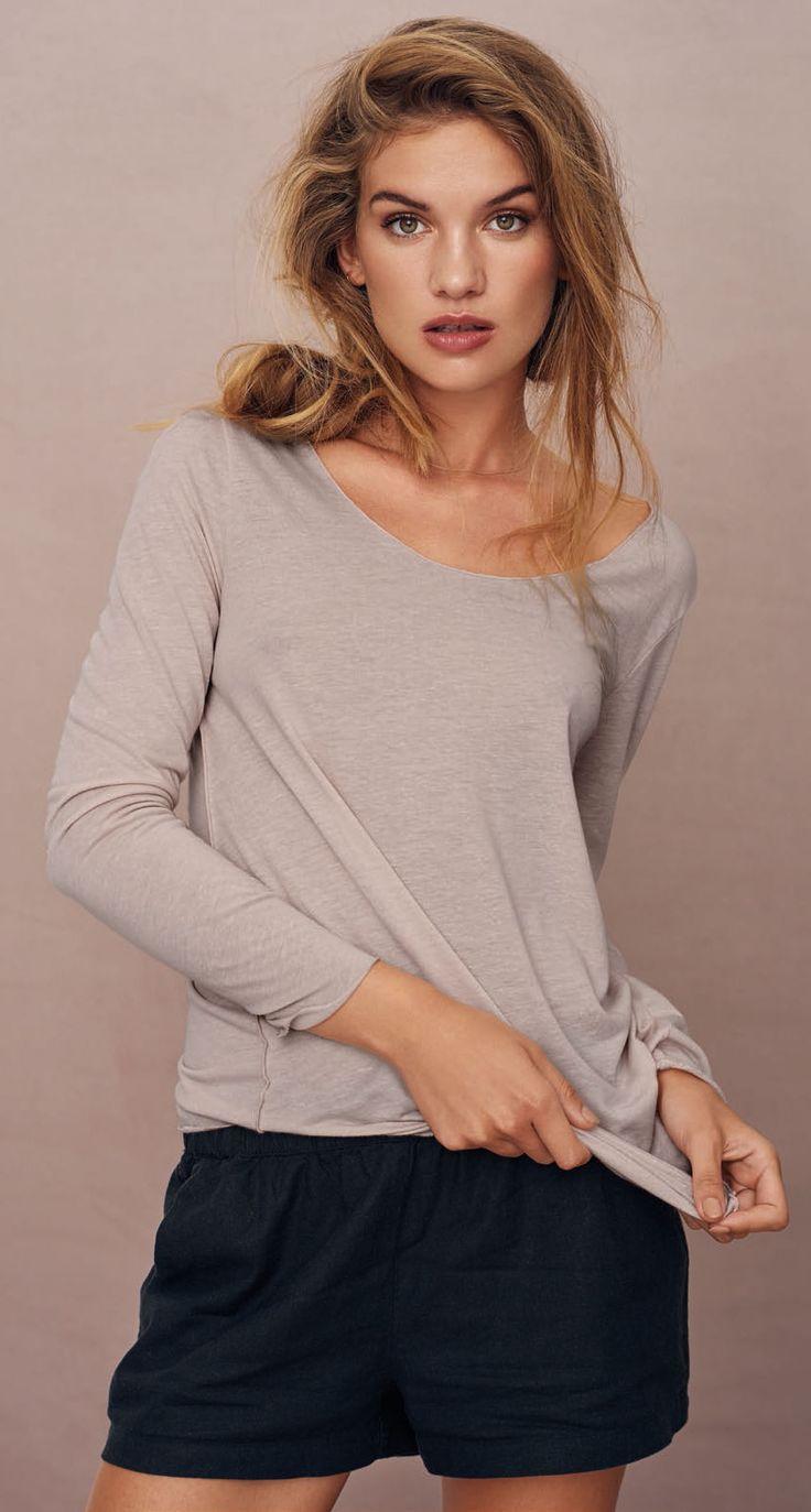 VERO MODA LUA - Regular Fit - Langärmeliges Oberteil - Runder Saum mit Patent-Schnitt - Light Grey Melange ✓ Rechnungskauf ✓ Gratis Versand ✓ Günstig Vero Moda Shirts bei Jeans-Meile online kaufen