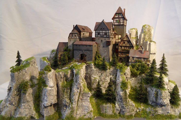 Modellbauwerkstatt Potsdam Diorama H0 Modell Burg / Festung Lauenstein   eBay