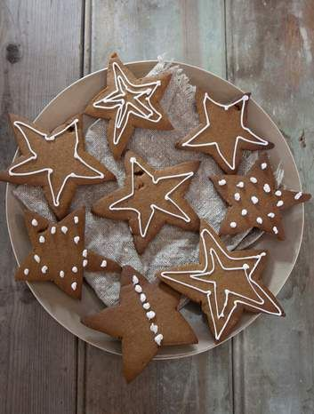 Nat's gingerbread stars, a recipe given to Stephanie Alexander by her friend Natalie Paull.
