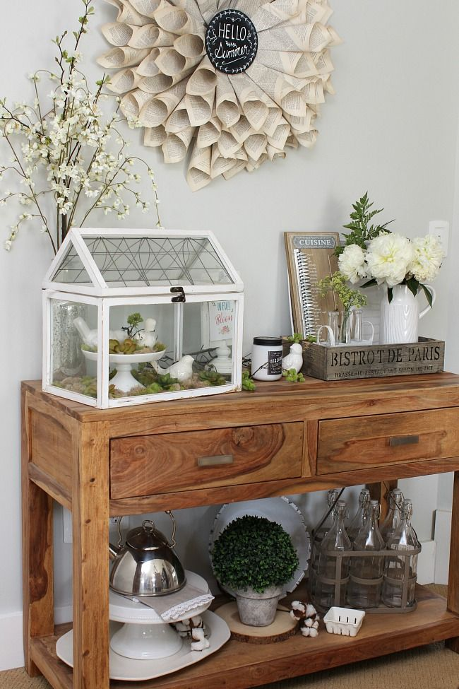 Beautiful simple summer home tour and decor ideas with a farmhouse style.