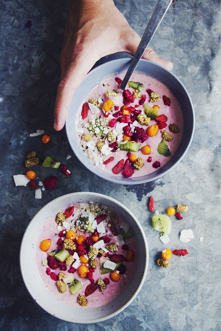 Smoothie bowls, color.