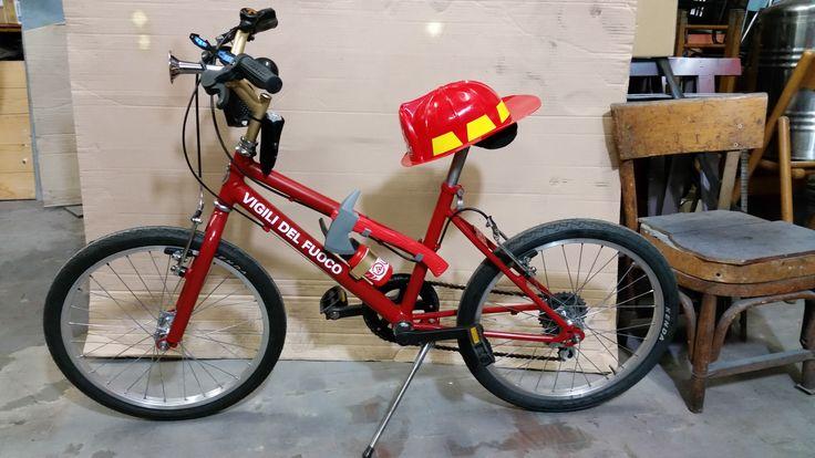 Vecchia Mountain bike di Winnie the Pooh trasformata in Vigili del fuoco