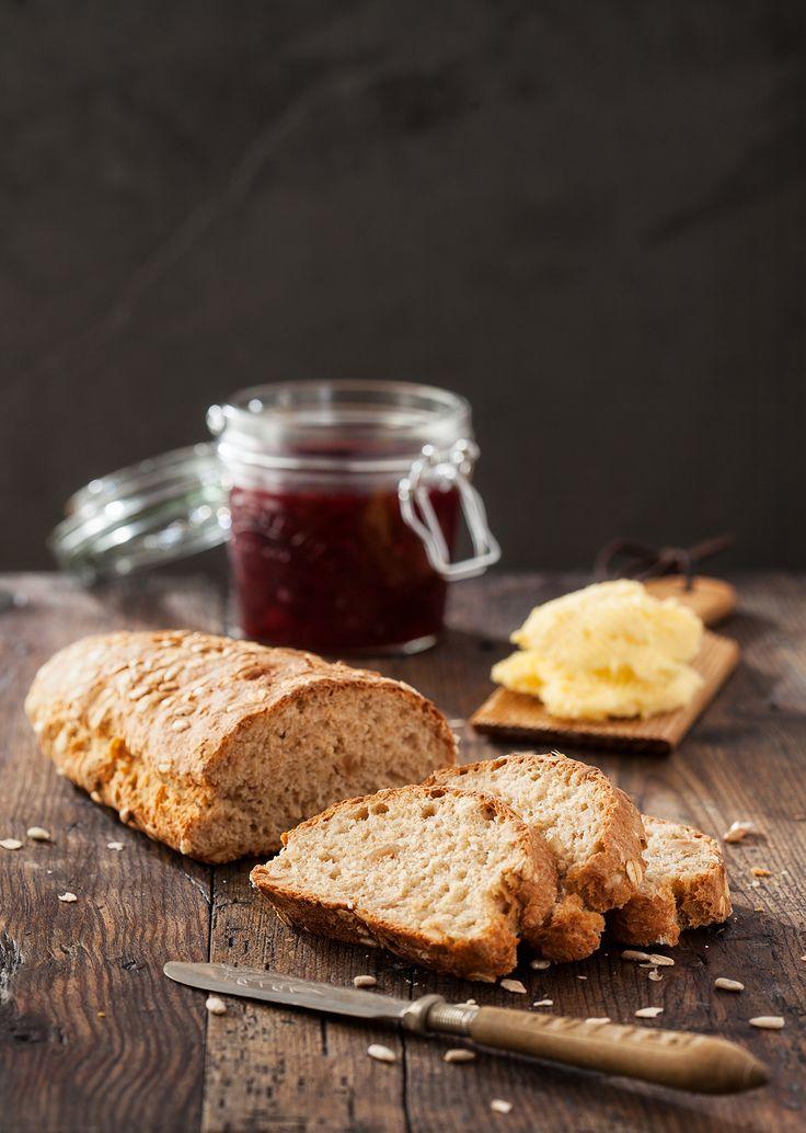Fındıklı ekmek ve erik marmeladı