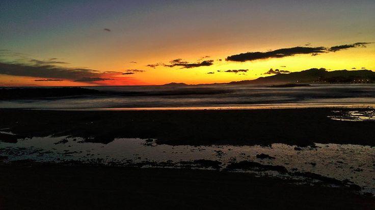 Beach. #sfxcentral #luisjardi #luis_jardi #sounds #sounddesigner #soundeffects #zoom #cubase #logic #logicprox #protools #waves #seawaves #nature