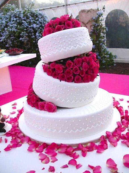 hot pink wedding cake ideas best 25 pink wedding cakes ideas on pink big 15341