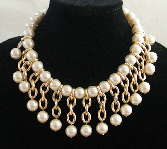 Vintage Necklace ... Pearl and Goldtone by TheVintageHandbag
