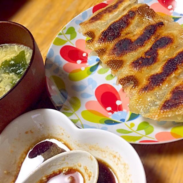 キャベツたっぷり餃子と中華スープ*.。(๑・∀・๑)*.。 - 5件のもぐもぐ - キャベツたっぷり羽根つき餃子ととろとろ中華スープ by mhkkkwboutara