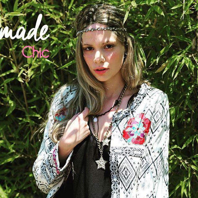 hermosa chaqueta bordada hechas en India #trend #style  #woman #style #embellishments #embroidery