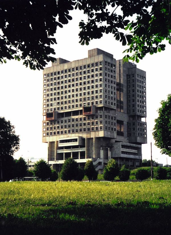 The Very Best of Strange Soviet Architecture / Calire Cottrell @flavorwire | House of Soviets – Kaliningrad, Russia | #sovieticarquitectura