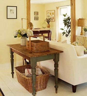 Need this sofa table!
