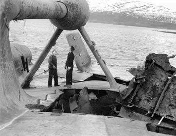 Tirpitz Tamiya 1/350 - Page 2 B4c6d11fa956f2e2478422b7010db8d5--battleship-wwii