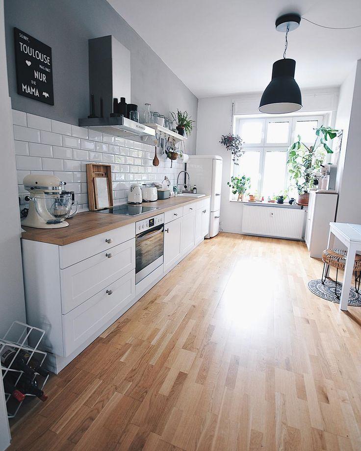 Zuhause Bei Toulouse On Instagram D O N N E R S T A G Heute Wird Noch Gearbeitet Und Dann Beginnt S With Images Home Decor Kitchen Interior Design Kitchen Kitchen Design