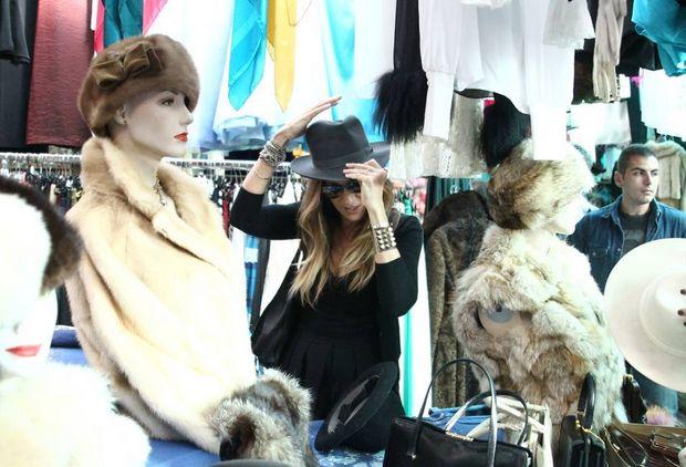 The Charm of Luxury: L'attrice americana Sarah Jessica Parker visita il...