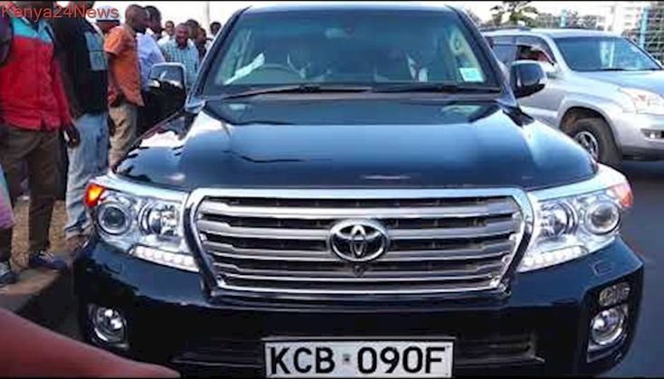THE BULLET PROOF CAR THAT JIMMI WANJIGI WAS IN THE TIME HE WAS BLOCKED BY POLICE AT MUSEUM ROAD