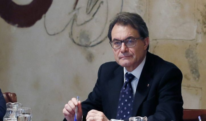 Catalonia leader says vote will go ahead - Euro Weekly News 5th June 2014.Catalan leader Artur Mas said that the people in his region have the right to decide whether they want to break away from Spain or not. Catalan President Mas says that the planned vote on independence, scheduled for November 9, must go ahead – even though the central government in Madrid has vowed to block the referendum on constitutional grounds.