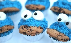Cute Cookie Monster cupcakes kids-party-ideas