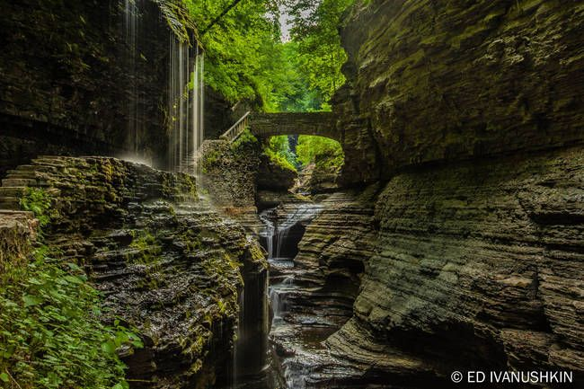 You Won't Believe That These 30 Surreal And Beautiful Places Are In The U.S.  13.) Watkins Glen State Park, New York