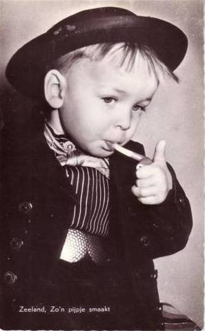 jonge Zeeuwse pijpen roker