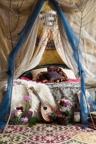 Gypsy: #Bohemian bedroom.