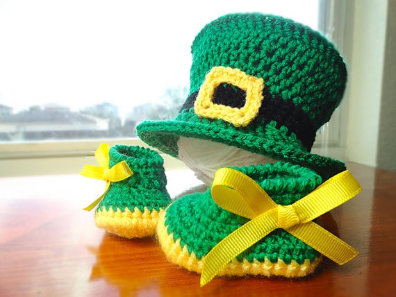 Leprechaun Hat & Booties soo cute!! Man I need to learn to crochet fast!! I want this for our first boy!