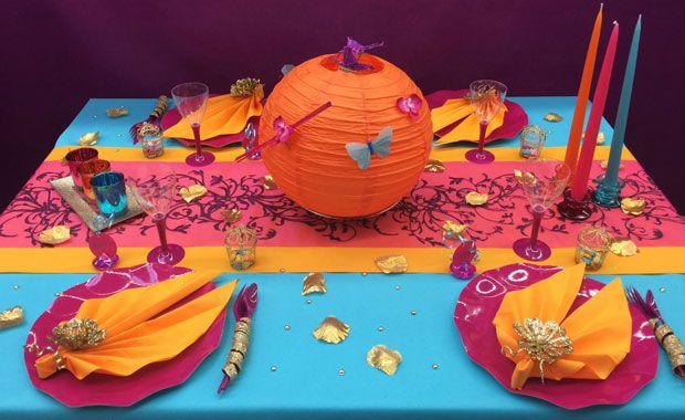 Zoé Confetti - Table Bollywood : Envie d'inviter vos amis pour une soirée Bollywood ? Direction votre magasin Zoé Confetti, pour trouver costumes, nappes, chemins de table et accessoires de décoration aux couleurs de l'Inde !