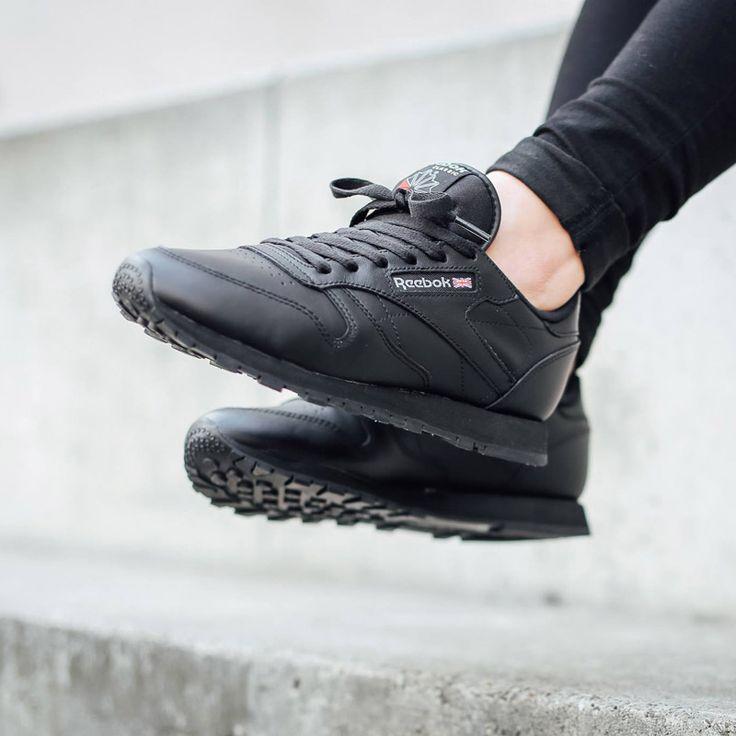 all black reebok womens shoes
