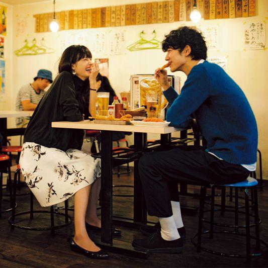 【今日のコーデ】仕事終わりに居酒屋デート♡きちんと可愛い花柄スカートが主役。