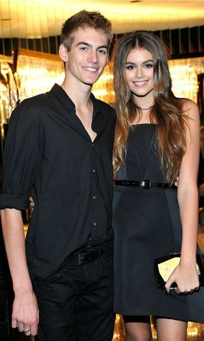 Cindy crawford's siblings-1203