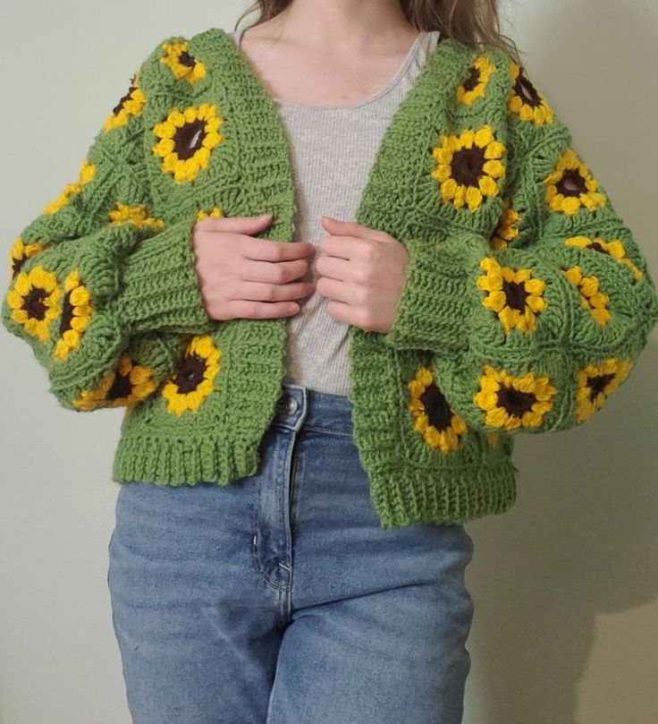 Jumper Patterns, Crochet Cardigan Pattern, Crochet Motif, Crochet Designs, Crochet Hooks, Knit Crochet, Crochet Patterns, Crochet Squares, Crochet Granny