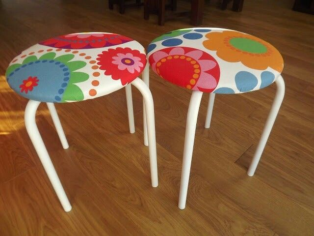 DIY Nowa tapicerka na starych stołkach