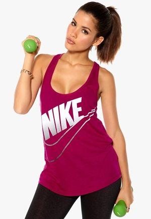 Behöver ett eller två nya träningslinnen =) stl: L