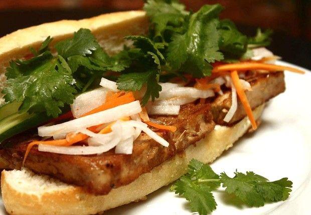 Sanduíche Bánh mi, do Las Magrelas: influência vietnamita nas versões porco, frango ou tofu (Foto: Divulgação)