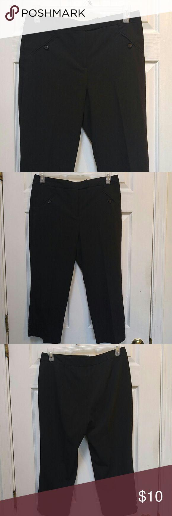 Dressbarn Black Capris | Black capris, Dress barn pants ...