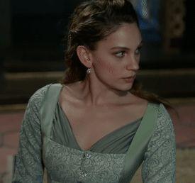 Princess Farya's mint green dress, 2x06 - Magnificent Wardrobe