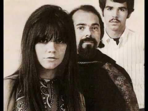 The Stone Poneys Different Drum 1967 Video - (Linda Ronstadt on vocals for those too young to remember) YouTube