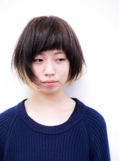 【秋冬おすすめヘア】個性派インナーカラーで友達と差をつけよう♡|MERY [メリー]
