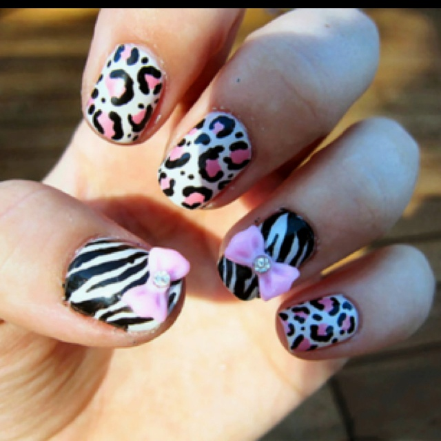 Cute nails  Most beautiful and popular Pins of Nail Designs -Follow Me, get inspired and get more nail desings - nail art :)