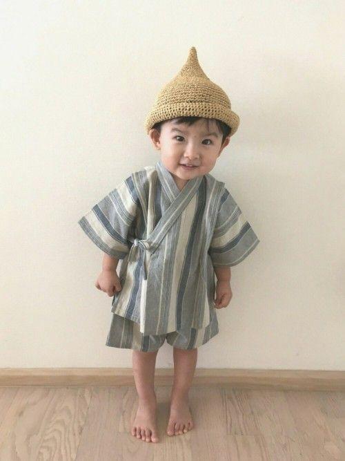 ラフィアでとんがり帽子を編みました🙆🏻♂️♡ とがらせすぎたかな… タイ舞踊の踊り子さんみたい