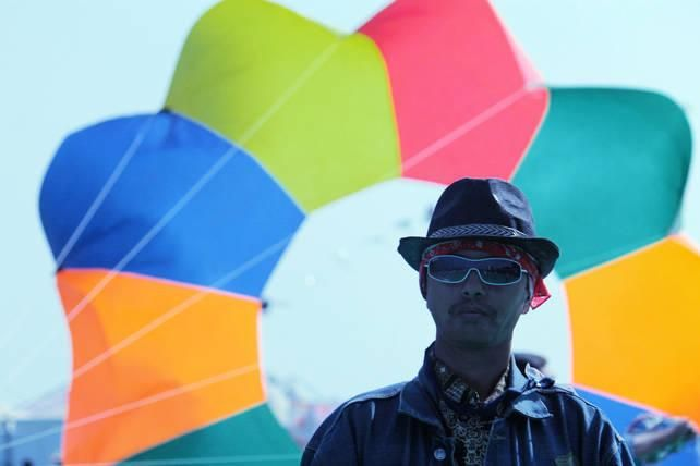 Kite Flyers India - Paavan Solanki - Design by Paavan Solanki at touchtalent