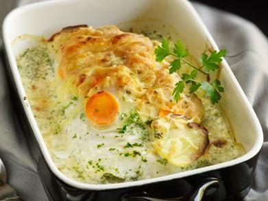 Pollak met aardappelen en wortels