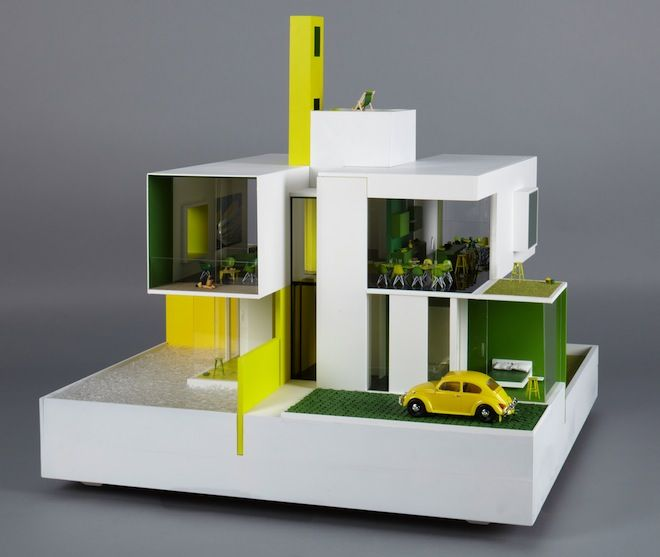 Allford Hall Monaghan Morris (AHMM) designed the Compass House for children with visual impairment by expanding the use of color and texture in the dollhouse. Image: Thomas Butler