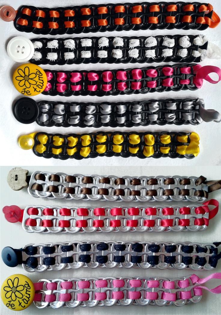 Bracelets faits de goupilles de canettes de liqueur....:)
