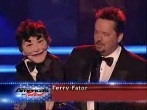 "Terry Fator and Johnny Vegas sing Dean Martin ""That's Amore"" and Tony Bennett ""I Left My Heart in San Francisco"""