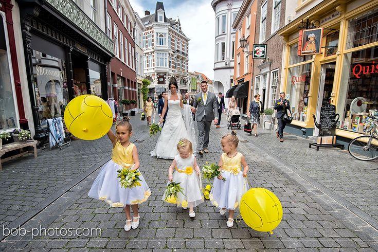 Bruidsmeisjes gele ballonnen Bob-photos.com