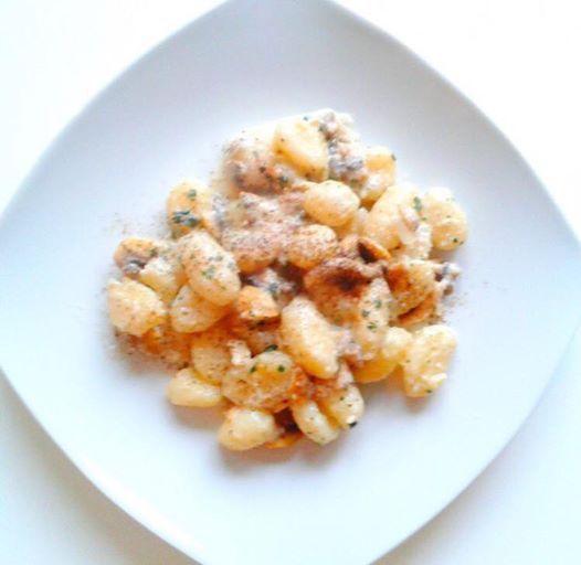 gnocchetti con crema di anacardi e funghi