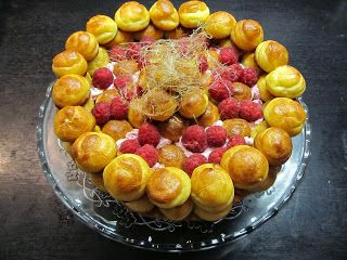 my digital cookbook: Torte aus Brandteigkrapferl: Saint-Honoré-Torte
