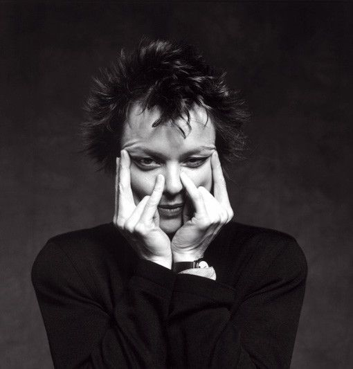 Laurie Anderson by Guido Harari. Laurie Anderson © Guido Harari, 1990